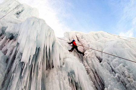 آبشار-یخی-هملون،-از-جاذبه-های-زمستانی-تهران-(-تصاویر)