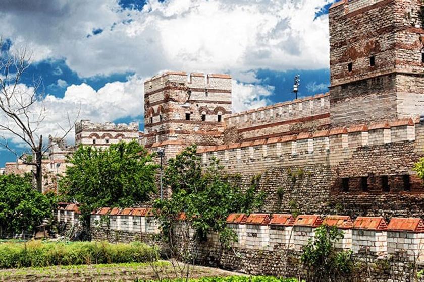 دیوارهای-قسطنطنیه